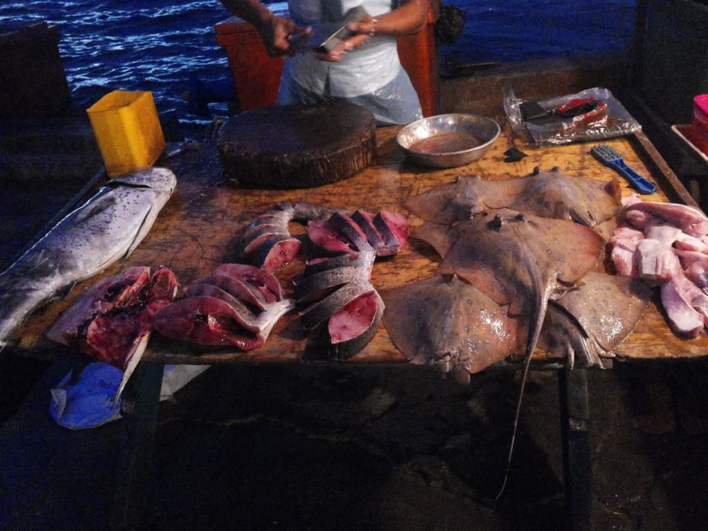 菲律賓夜市魚檔