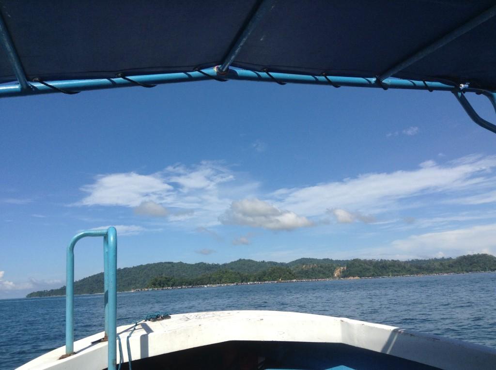 遠看沙比島