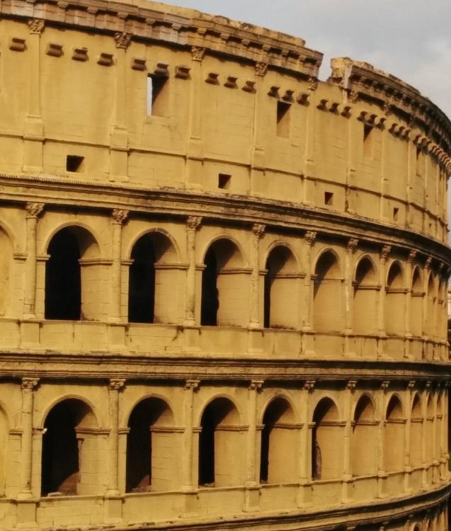羅馬鬥獸場前門