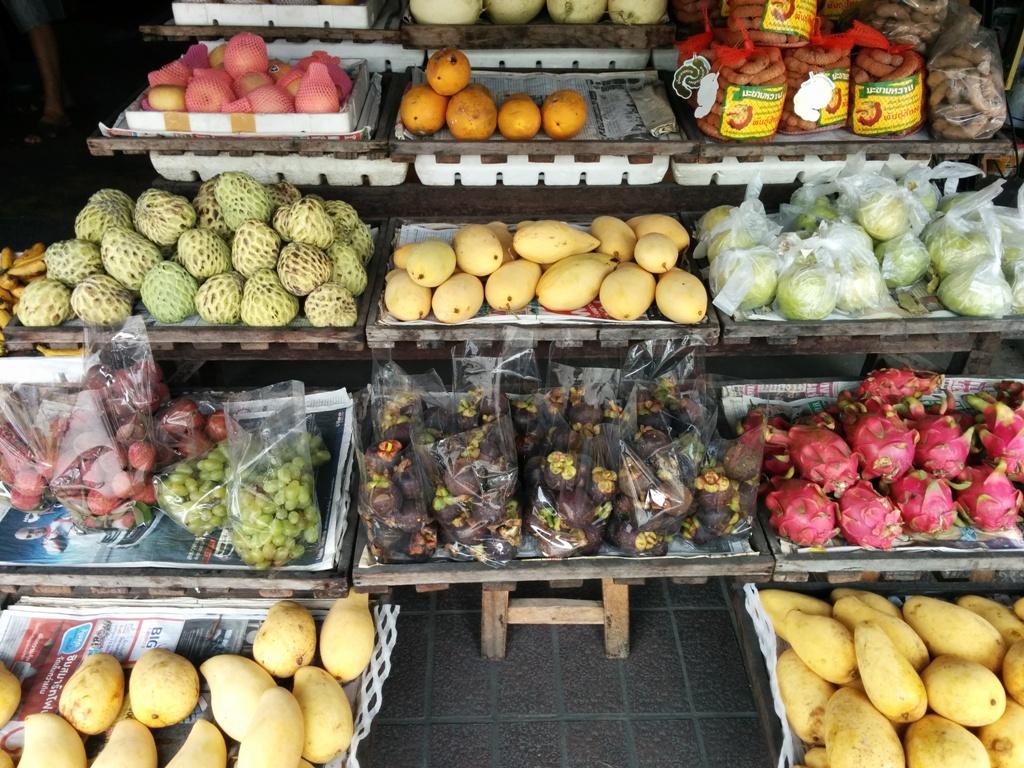 很多新鮮水果