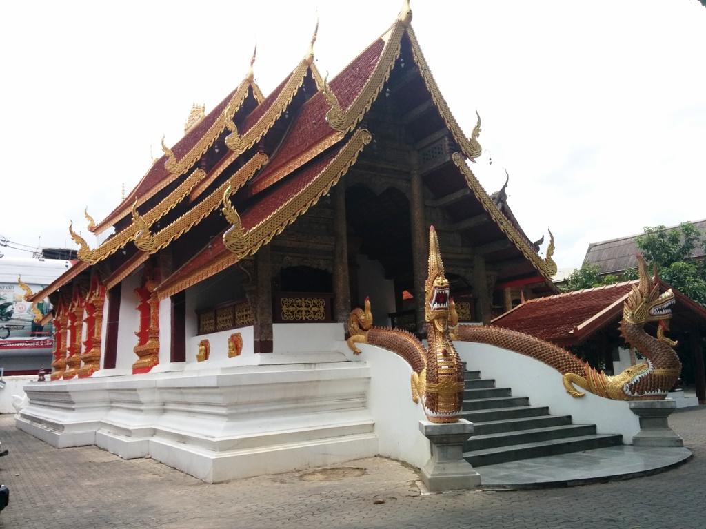 很霸氣的泰國廟宇