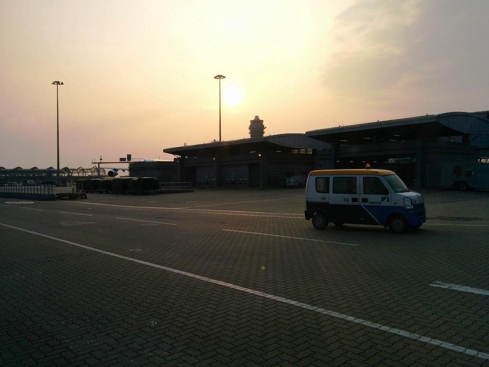 機場看日落