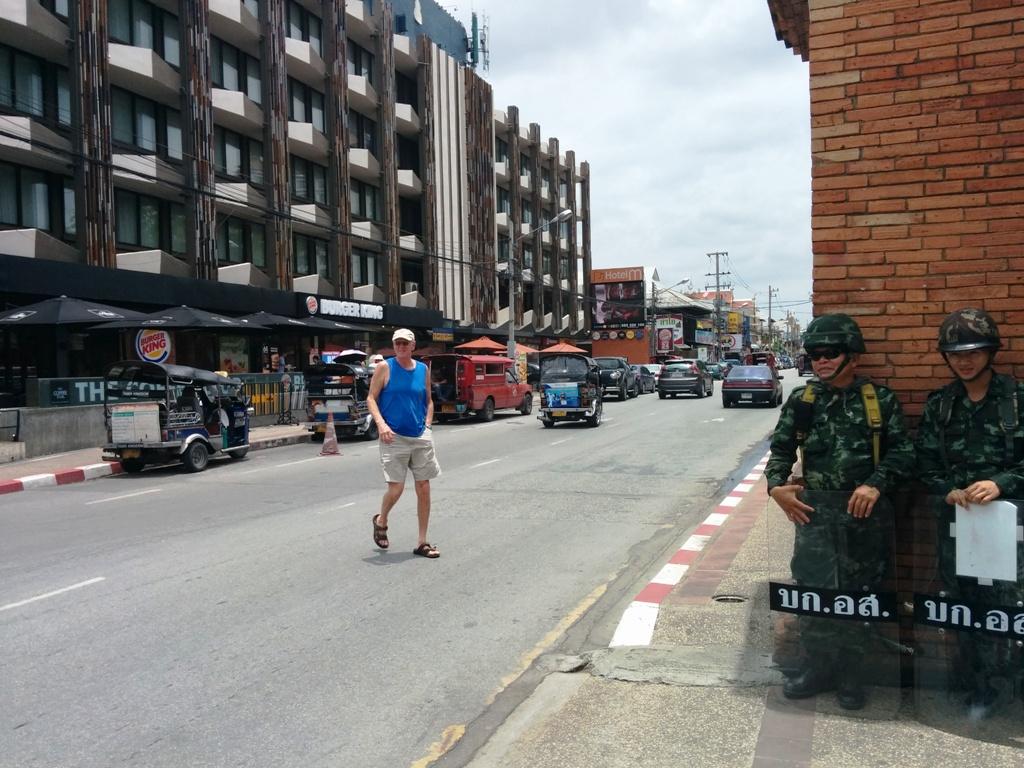 泰國軍人在看守
