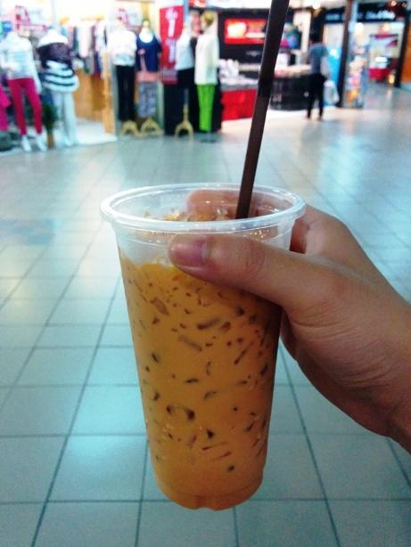買冰送奶茶