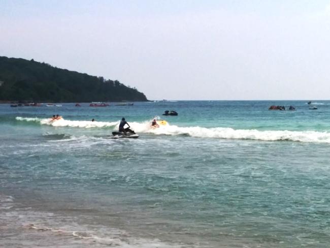 水上電單車衝浪