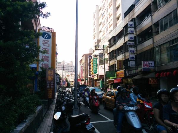 台灣的feel很不同
