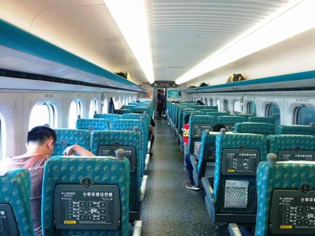 沒有人的台灣高鐵