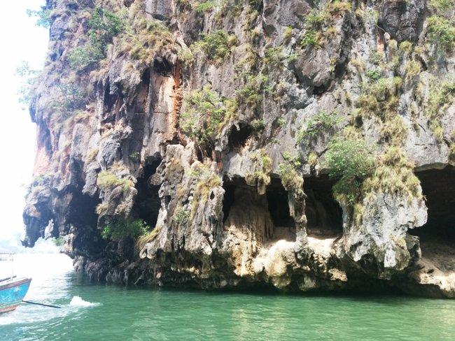 非常有趣的風化洞穴