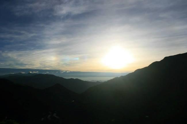 另一角度看日出