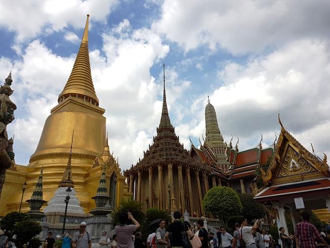 金碧輝煌的寺廟