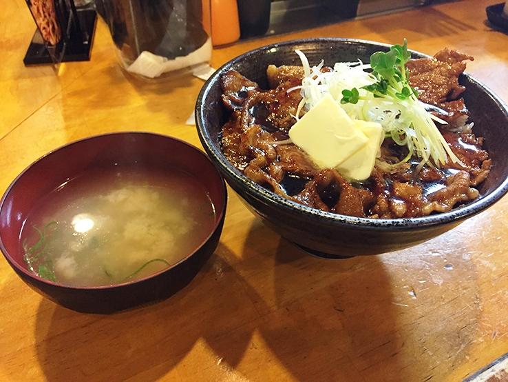 北海道醬油豚肉飯