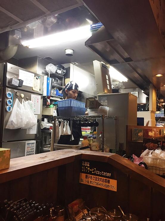 深夜的大阪餐廳
