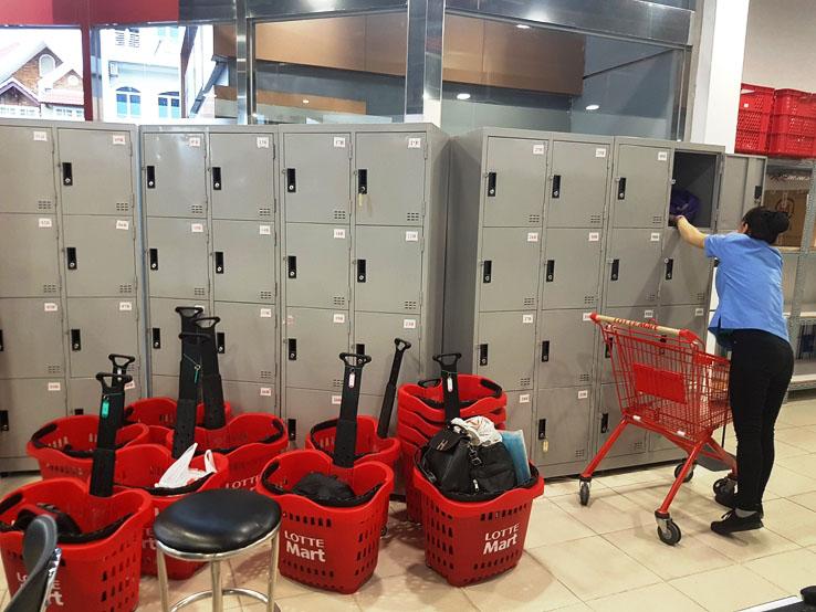 強行寄存行李