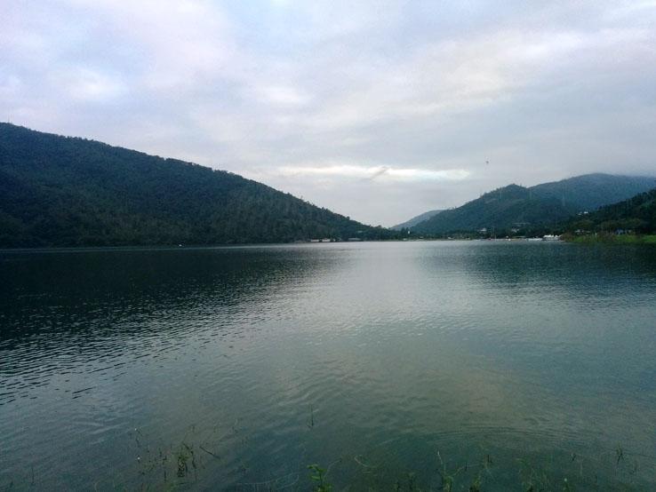 還是看湖好了