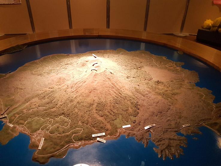 裏面有點像火山博物館,可惜小編看不懂日文。