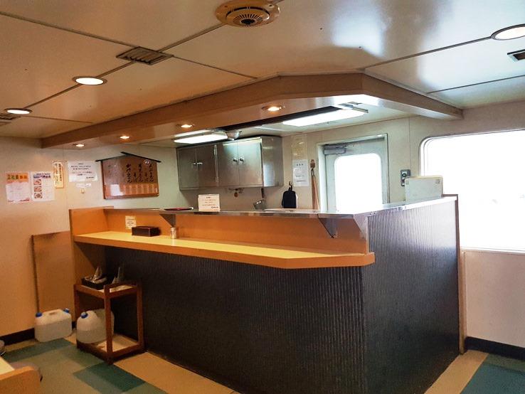 據說船上是有限定拉麵,聽說味道不錯的,但小編卻沒看到有開店。
